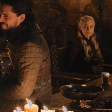 Se cuela un café de Starbucks en el último episodio de 'Juego de Tronos'