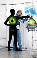 Acciones de British Petroleum caen 50% por derrame