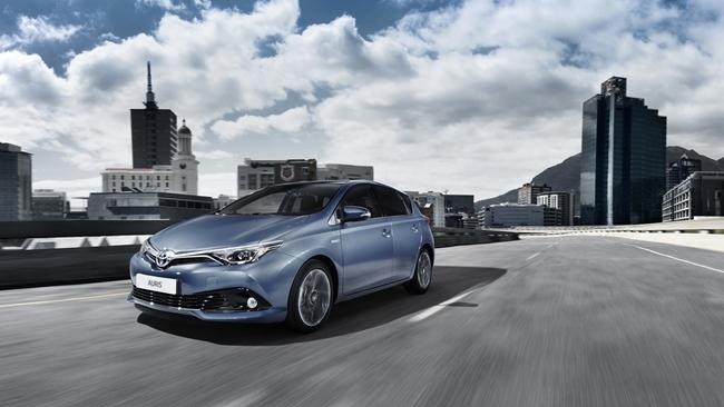 Toyota Auris 2015 1 2