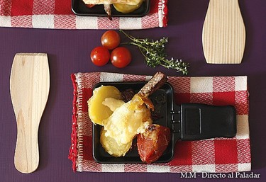 Receta de raclette de solomillo y tomate asado, con cebolleta caramelizada