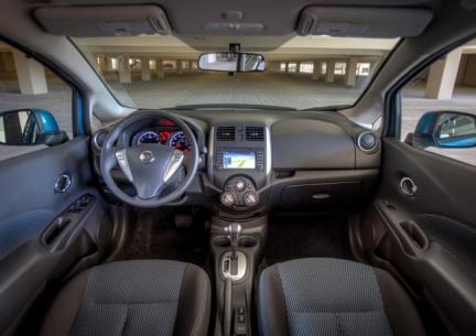 Nissan Note 2014 para México, interior.