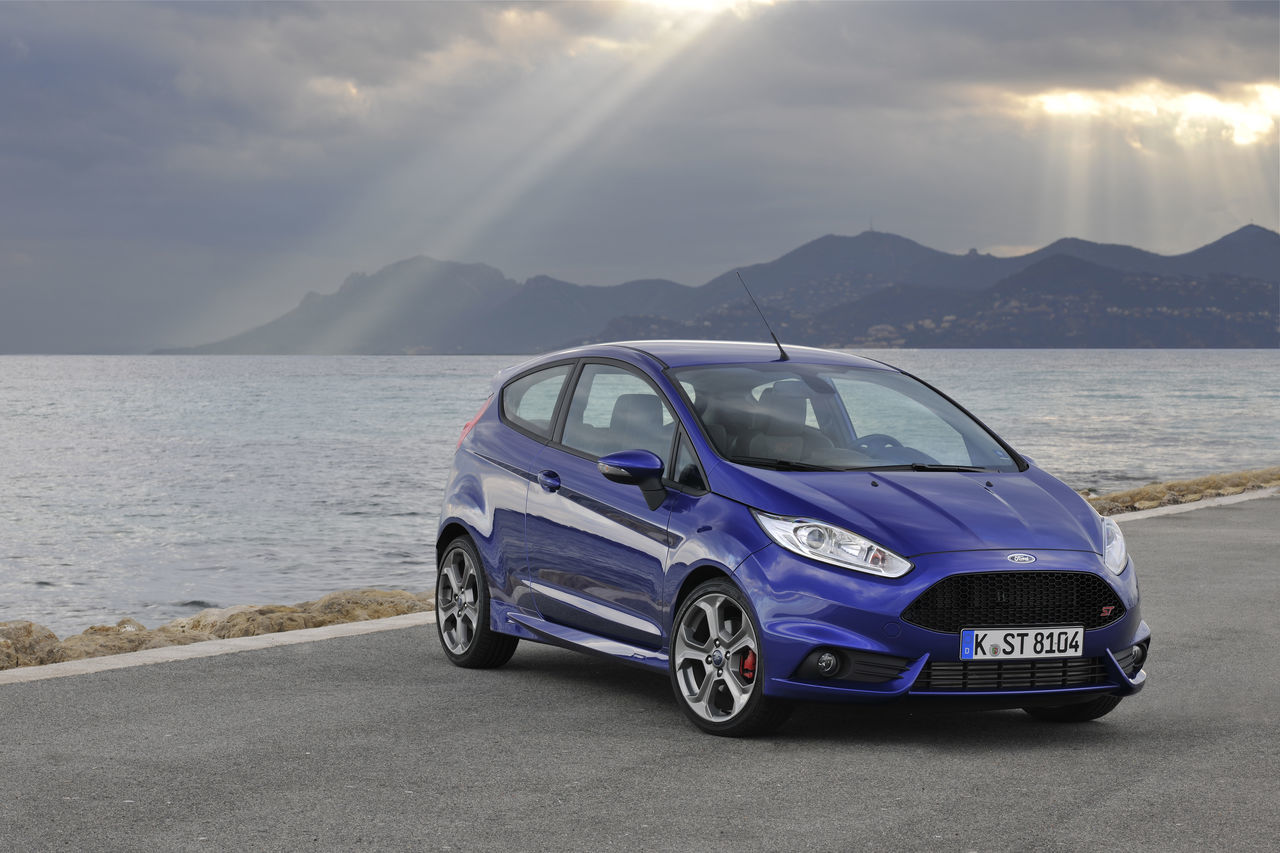 Foto de Ford Fiesta ST 2013 en Francia (20/50)