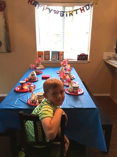 Porque nadie querría que le pasara a su hijo, no olvides confirmar asistencia a las fiestas de cumpleaños