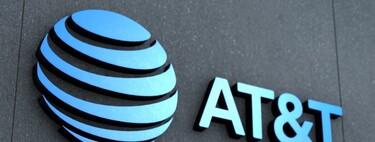 """Profeco y casi un millón usuarios demandan a AT&T en México por el """"cargo operativo"""" implementado en 2019"""
