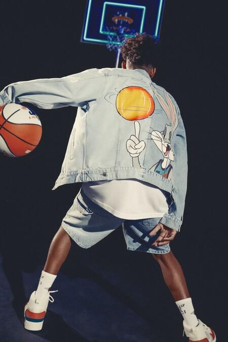 Pull&Bear celebra el estreno de Space Jam: A new legacy con una colección centraba en el mundo del baloncesto