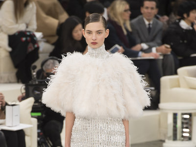 Chanel Alta Costura Primavera-Verano 2017, el día en que Karl Lagerfeld volvió a brillar de nuevo