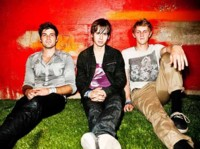 Foster The People le dan un empujón al lunes, con el 'Under Control' de Calvin Harris
