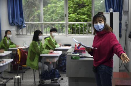 """China le ha declarado la guerra a la escuela privada: por qué pone coto a las prolíficas """"tutorías"""""""
