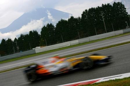 Nelsinho Piquet demuestra que el R28 está a un gran nivel