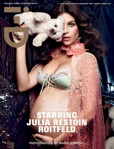 i-D lo ha logrado: Julia Restoin-Roitfeld nos muestra su barriga pre-mamá