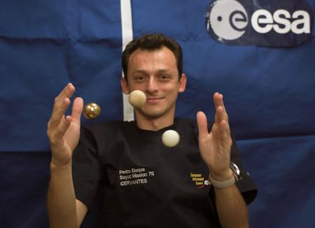 De astronauta a ministro pasando por luchador incansable contra las pseudociencias: así es Pedro Duque