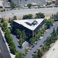 """Apple alquila todas las plantas del """"Edificio Triángulo"""" para ampliar su presencia alrededor del Apple Park"""