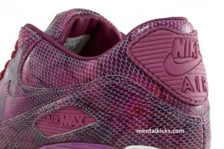 Nike Air Max 90 con print de serpiente fucsia