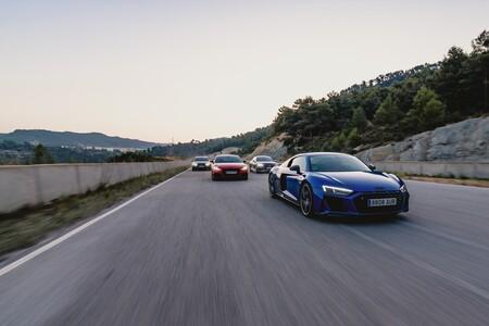 Los coches deportivos de Audi cada vez llevan menos pantallas, y es lógico que así sea