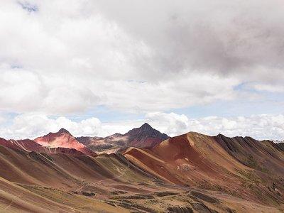 La montaña arcoiris de Vinicunca en Perú