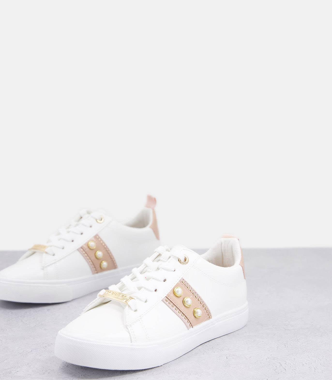 Zapatillas de deporte color rubor con perlas de Miss KG Wide Fit