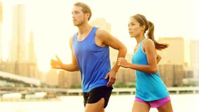 5 razones por las que es bueno correr con tu pareja