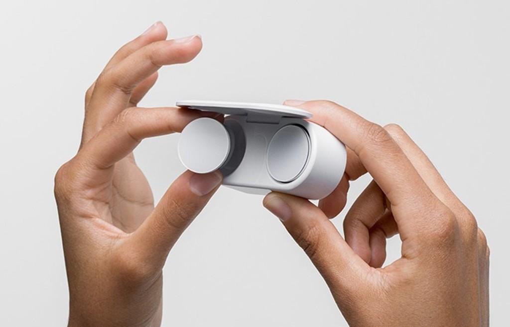 Los audífonos Surface Earbuds podrán funcionar con Siri, Alexa y <strong>Google℗</strong> Assistant y no sólo con Cortana»>     </p> <p>Una de las noticias que vimos ayer no tenía nada que visualizar con portátiles o tabletas. Eran los <a href=