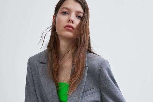 Nos hemos encaprichado de la nueva colección de Zara TRF primavera (y la queremos enterita)