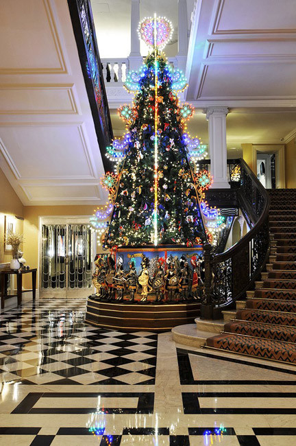 The-Claridges-Christmas