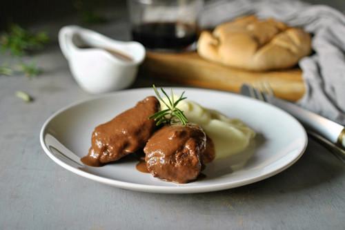 Receta de carrilleras de cerdo ibérico en salsa de chocolate, para darse un homenaje en toda la regla