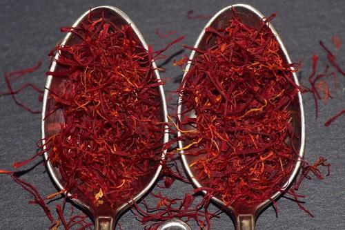 Azafrán: propiedades, beneficios y su uso en la cocina