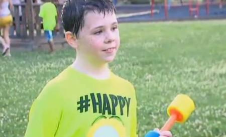 Camden, un niño con apraxia, celebró así la fiesta de cumpleaños más increíble del mundo gracias a internet