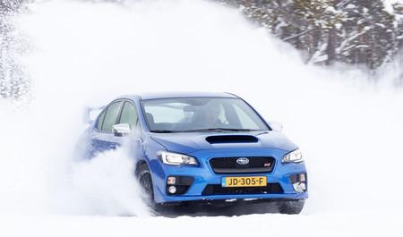Cómo conducir con nieve o hielo de forma segura