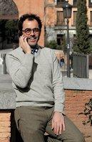 Entrevistamos a Gerardo Olaverry el creador de 'Sin Clon ni Son'.