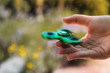 Blur Close Up Fidget Spinner Fingers 457036