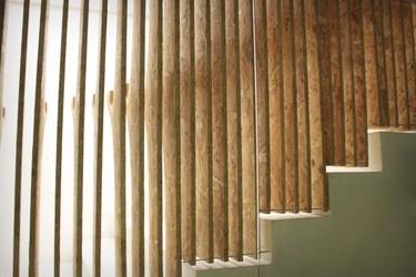 Asiento, expositor y barandilla de escalera, un tres en uno paramétrico y muy curioso