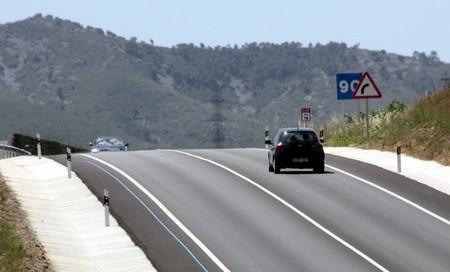 El Gobierno confirma que su propuesta de establecer peajes en las autovías era un globo sonda