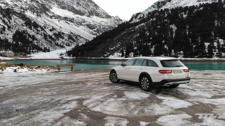 Probamos el Mercedes-Benz Clase E All-Terrain a fuego entre nieve y hielo