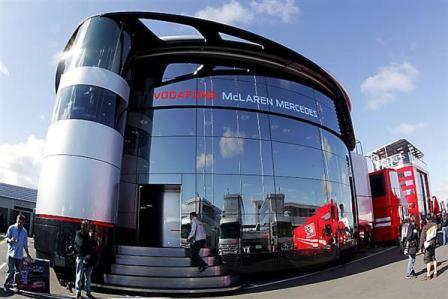 McLaren no ocupará finalmente el último box del pit-lane