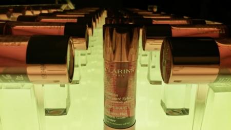 Clarins presenta un concentrado autobronceador sin aroma a autobronceador: lo probamos