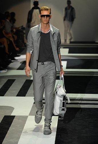 Foto de Gucci, Primavera-Verano 2010 en la Semana de la Moda de Milán (9/15)
