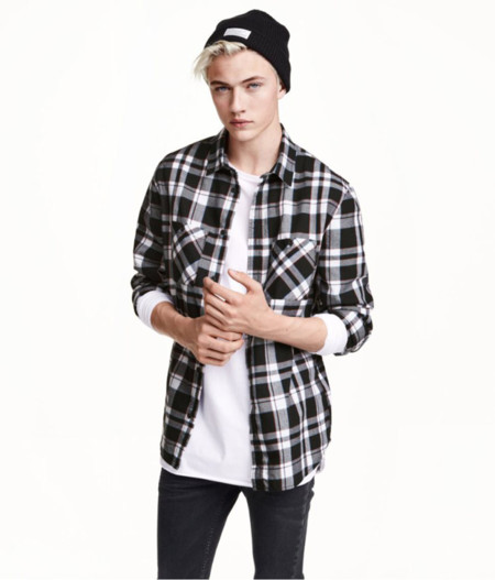 El músico Lucky Blue Smith protagoniza la campaña para la fast-fashion collection de H&M