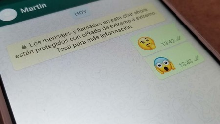 """Una supuesta vulnerabilidad de WhatsApp permite que se pueda """"editar"""" cualquier mensaje, pero no es un proceso sencillo"""