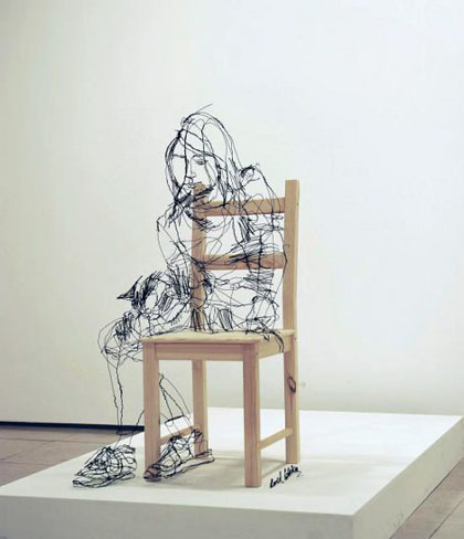 Las esculturas de alambre de David Oliveira