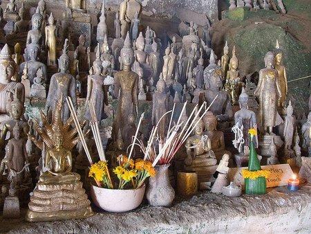 Pak Ou o las Cuevas de los Mil Budas, en Laos