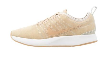 En Zalando por 32,95 euros tenemos las zapatillas Nike Dualtone Racer SE con envío gratis