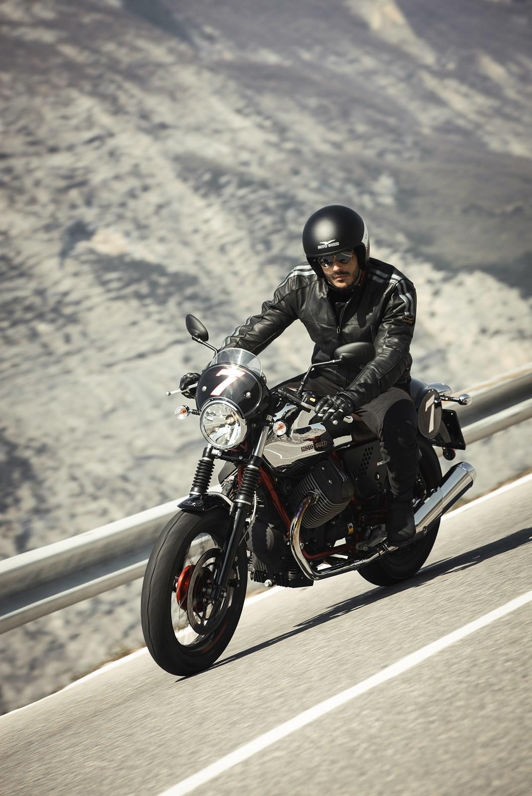 Foto de Moto Guzzi V7 Racer (48/49)