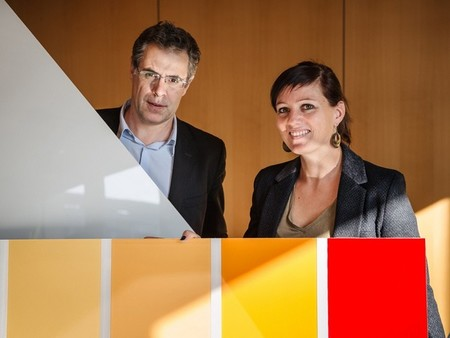 Los próximos paneles solares de tu casa podrían ser de estos llamativos colores