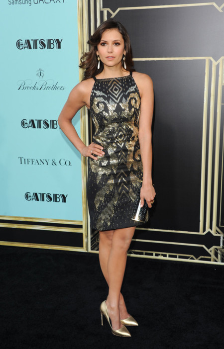 Nina Dobrev it girl perfil Premiere neoyorkina de El Gran Gatsby Versace