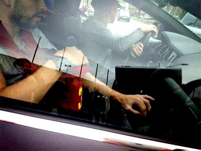 Shakira y Piqué en el coche con Milan