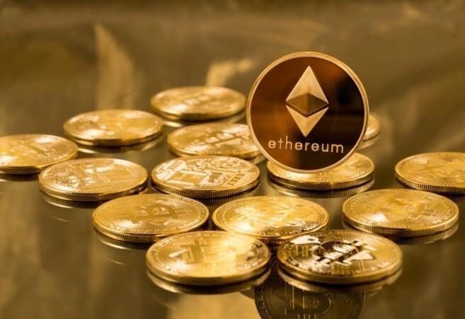 No solo de bitcoin viven las criptos: Ether, la moneda de la red Ethereum, supera por primera vez la barrera de los 1.000 dólares
