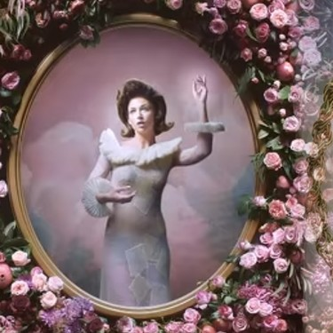 'Cuando me Miras': la performance de C. Tangana cuyo subtexto te resultará familiar si eres fan de Rosalía