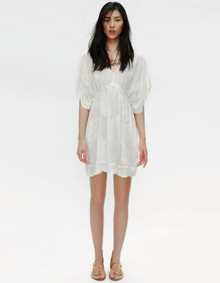 Vestidos blancos perforados
