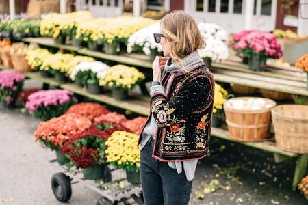 Estas son las chaquetas de entretiempo más maximalistas del street style, ¡querrás que haga frío!