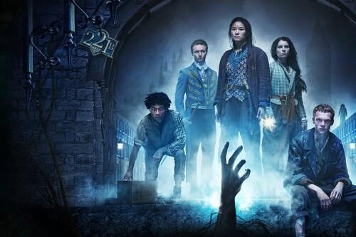 'Los irregulares': la serie de Netflix es una curiosa revisión sobrenatural del universo de Sherlock Holmes que se queda en tierra de nadie